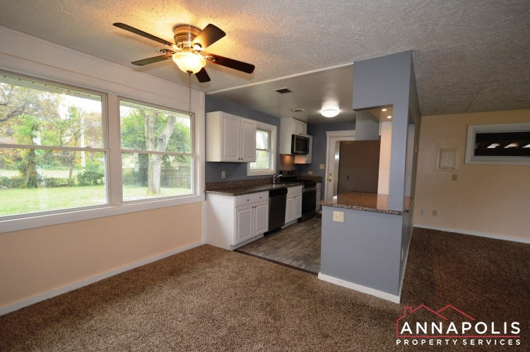 531 Bruce Ave-KItchen and dining a.JPG