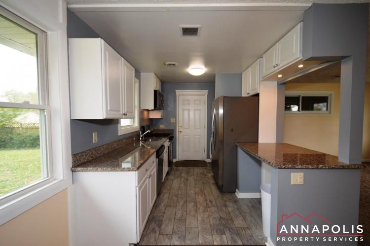 531 Bruce Ave-Kitchen b(3).JPG