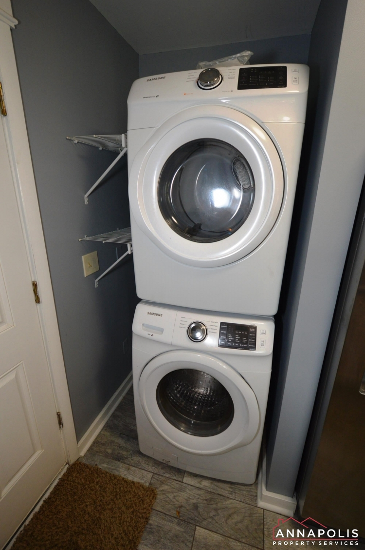 531 Bruce Ave-Washer and dryer(2).JPG