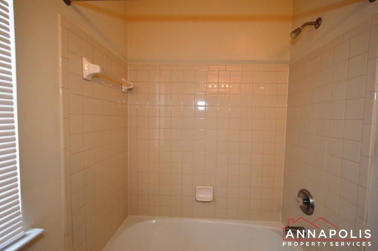 237 Braxton Way-Main bath b(2).JPG