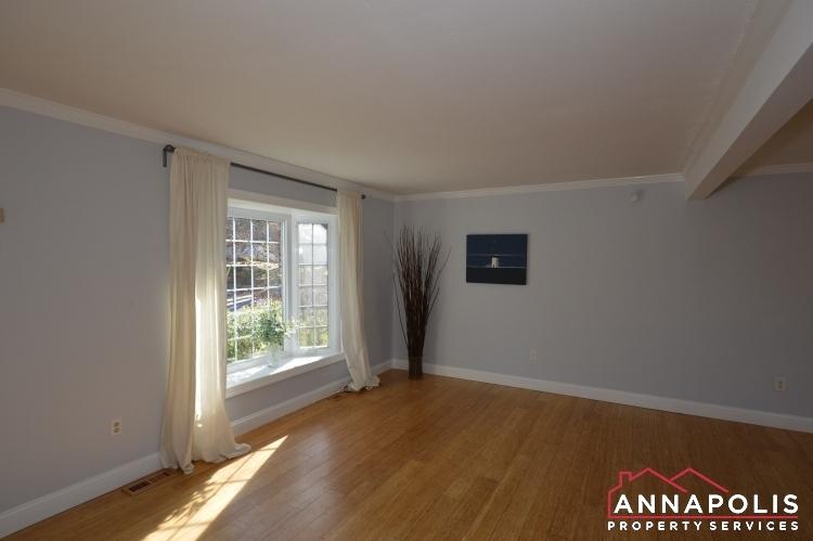 235 Gross Ave-Livingroom.JPG