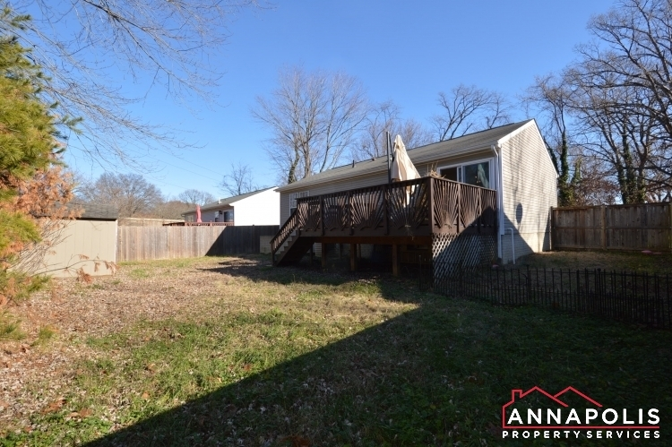 235 Gross Ave-backyard1.JPG