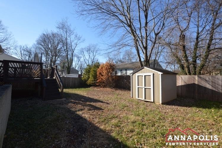 235 Gross Ave-backyard2.JPG