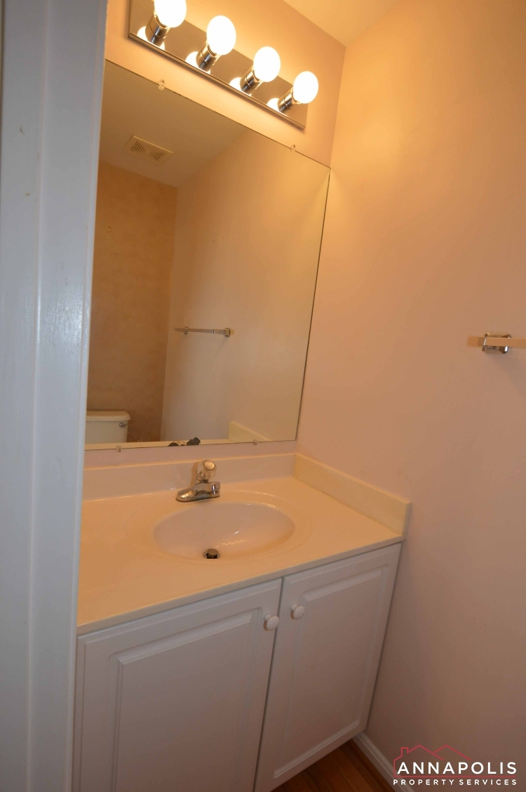 769 Howards Loop-Half bath Vert.JPG