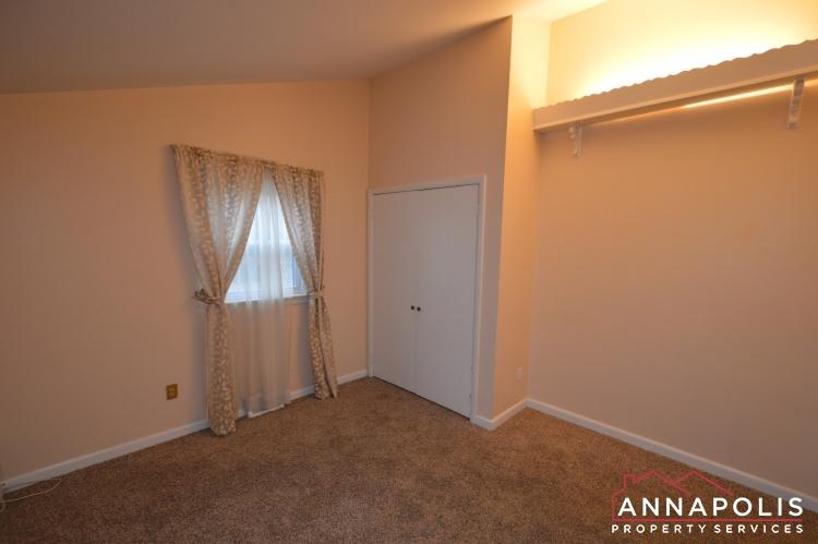 1066 Broadview Drive-Bedroom 3b(3).JPG
